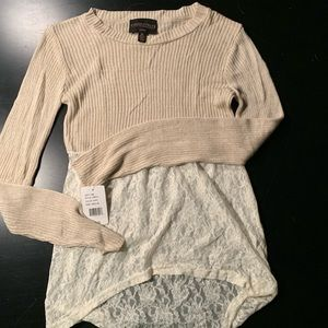 Light weight ivory sweater with lace